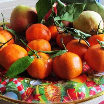 Dieses Foto zeigt eine gut gefüllte Obstschale als Symbol für das Schlaraffenland.