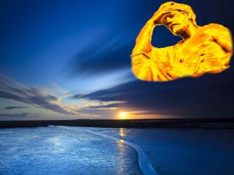 """Ein goldener antiker Gott sitzt über einem stahlblauen Abendhimmel. Er stützt den Kopf in die linke Hand. """"Wo liegt das Schlaraffenland?"""", das ist hier die Frage."""