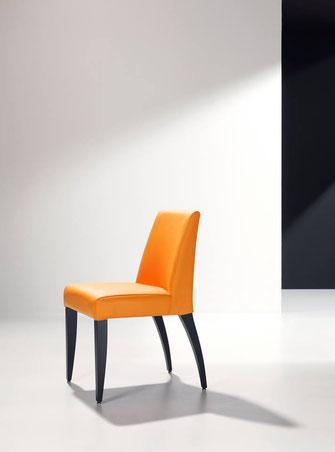 Mini silla de comedor tapizada Modesto Navarro