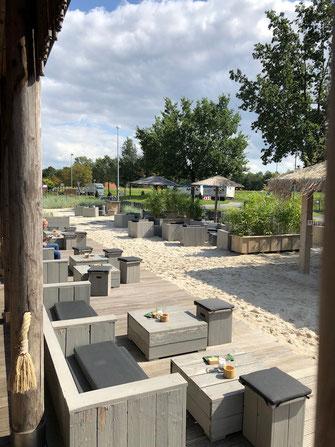 Holzmöbel für Gastronomie Terrasse