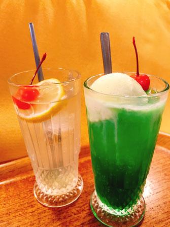 クリームソーダとレモンスカッシュ