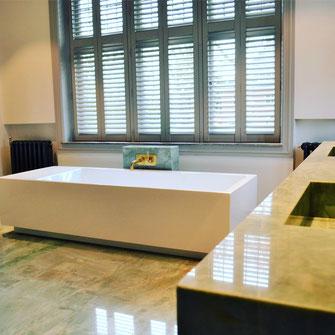 Emerald Green quarzite bathroom