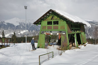 Mestia has already a long tradition as alpine skiing destination. Old lift station at Hatsvali, 18/02/2016.