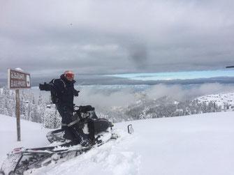 Josef, Christian, Joachim & Stefan helfen uns dabei die Pistenbullys und Schneemobile fit für die neue Saison zu machen.