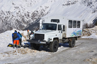 The public ski bus arrives at the ground station of Tetnuldi ski area. Mestia, 19/02/2016.