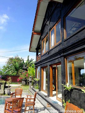 House for sale near the beach in Pantai Siyut