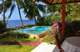 Beachfront Villa for sale by owner directly. North Bali.