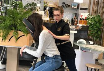 massage-assis, amma-assis, courbatures,massage energique et energetique pour reduire les douleurs les tensions de votre posture au travail. Ce massage de 30mn peut se faire sur votre lieu de travail