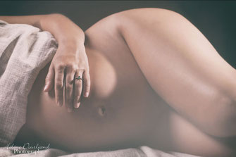 photo de grossesse réalisée en studio dans les Yvelines