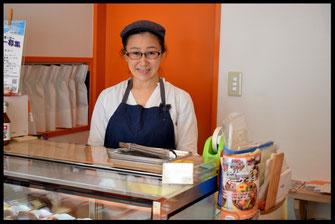 タルトとフランス菓子の専門店『プチ・ラパン』の店内写真