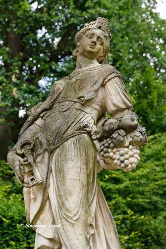 skulptur kybele schlossgarten gross sedlitz