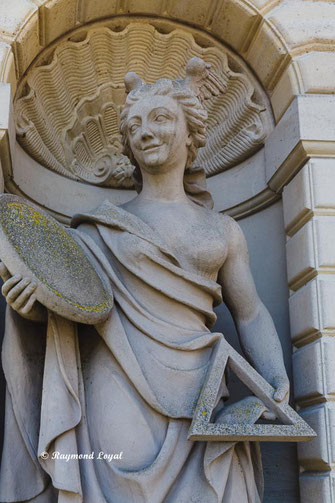 nordkirchen palace mars gate with venus sculpture