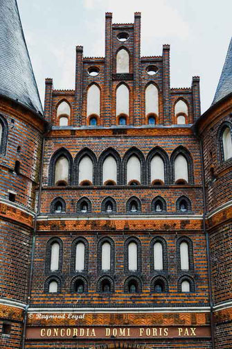 luebeck holstentor giebel