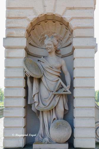 nordkirchen palace mars gate with venus sculpture