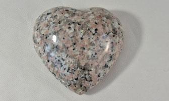 coeur-granit-marbre-gravure-personnalisee-plaque-funerair