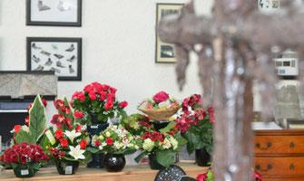 fleurs-artificielles-magasin-pompes-funebres-marbrerie-avignon-orange-cavaillon-carpentras-sorgues-camaret-sur-aigues-caderousse-cairanne-vaison-la-romaine