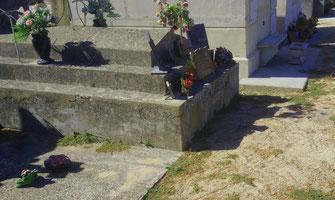 porte-frontale-monument-funeraire-caderousse-vaucluse-pompes-funebres