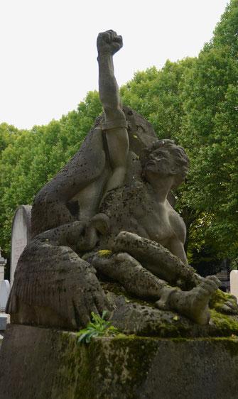mythologie-promethee-aigle-caucase-devorant-foie