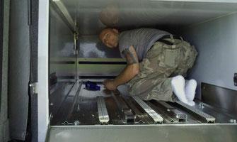 nettoyage-vehicule-funeraire-apres-transport-de-corps