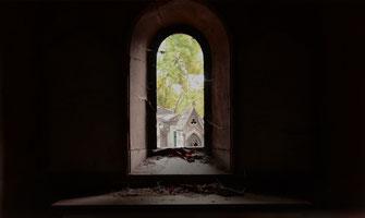 chapelle-funéraire-pierre-granit-marbre