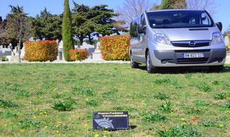vehicule-funeraire-cimetiere