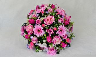 coussin-fleurs-artificielles-composition-florale-rose
