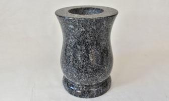 vase-funeraire-ornement-sepulture-cimetiere-vaucluse
