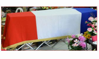 drapeau-francais-piquet-croix-de-repere-ouate-treteaux