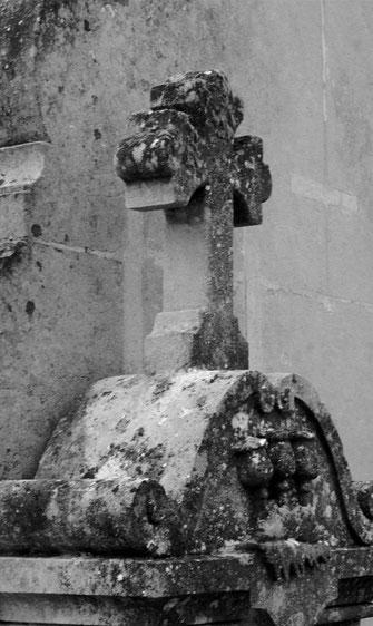 croix-cimetiere-deces