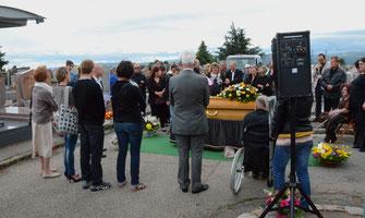 ceremonie-cimetiere-inhumation