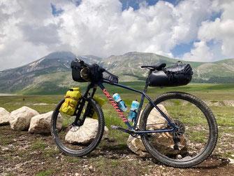 Bikepacking vs. Biketouring - Gepäckvolumen im Vergleich