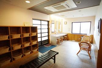 男湯脱衣場【かのせ温泉 赤崎荘】