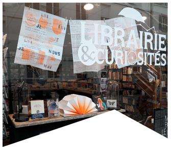Pièces de théâtre 10 SUR 10 à la librairie & curiosités