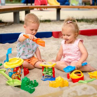 Kindergarten, Kinder, Sandkasten, Spielzeug, Online-Themenabende, Silke Orth, Eingewöhnung, KITA
