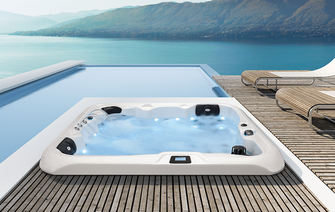 eingebauter Outdoor Whirlpool