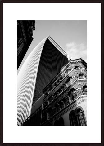 Leica Fine Art Print, Motiv: Contrasts, London. Diese Fotokunst ist zu kaufen, limitiert, exklusiv und in Galerie- Qualität