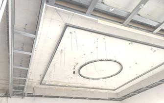 Schöne Renovierung mit gutem Handwerker in Frankfurt am Main, neue Deckenbeleuchtung, Trockenbau mit CRO-BAU, erfahrener Handwerker aus Frankfurt, Zvonimir Kovacevic, Decke abhängen, Zwischendecke einziehen, dekorativ, qualitativ, erfahren, Deckenarbeit