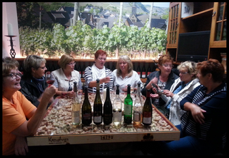 Ein Weinprobenseminar in der Ahr-Vinothek dauert ca. 3 Stunden.