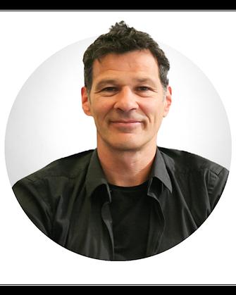 Gavin Kitchen, Inhaber