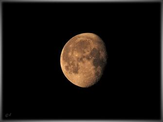 Abnehmender Mond am 28. Juni 2021
