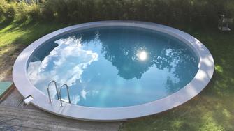 Bade Pool Salzburg, Restauriert by Retzinger
