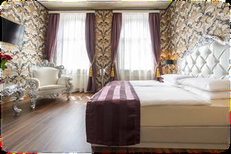 Hotel Urania Lust Leidenschaft Romantikhotel Wien Whirlpool Package Service Angebot Erfahrung Empfehlung Erotik Designzimmer Zimmer Hochzeitstag Hochzeitsnacht Blumen Hochzeitslocation Location
