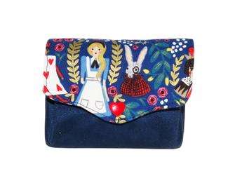 porte-monnaie femme accordéon petit Alice au pays des merveilles suédine bleu marine cadeau femme elle