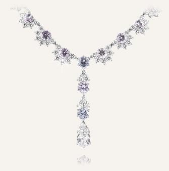 """Collier """"Pastell"""" aus Platin mit naturbelassenen Saphiren und runden Diamanten. 100% Swiss Handmade"""