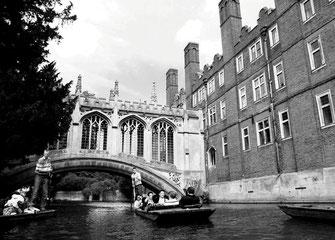 Punter, Seufzerbrücke, St. John's College, Cambridge, UK