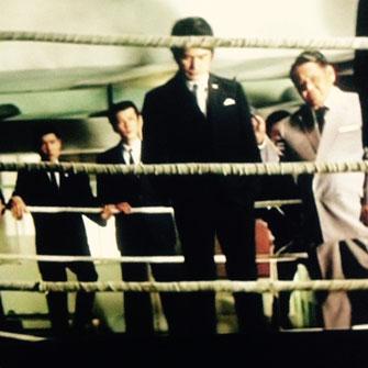写真は東映映画でヤクザに扮した内田良平と竹垣悟