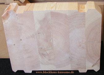Massive Blockbalken aus Polarholz mit der Stärke 275 mm - Holz, Massivholz, Rohstoff, Baumaterial, Baustoff, Kiefernholz, CO2-Fußabdruck, Umwelt,  Blockbohlen für ökologische Blockhäuser zum Wohnen