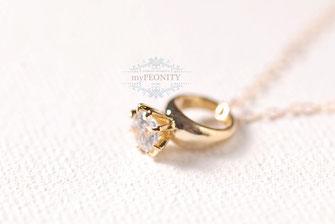 kleiner Ring großer Zirkonia Anhänger  Halskette