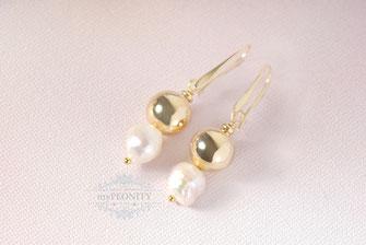 Kugel Ohrringe mit Süßwasserperlen vergoldet lang
