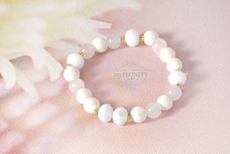 Mixed White elastisches Armband Weißtönen mypeonity